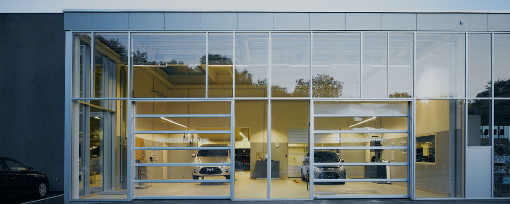 NASSAU Panorama Autoservice Sectional Doors
