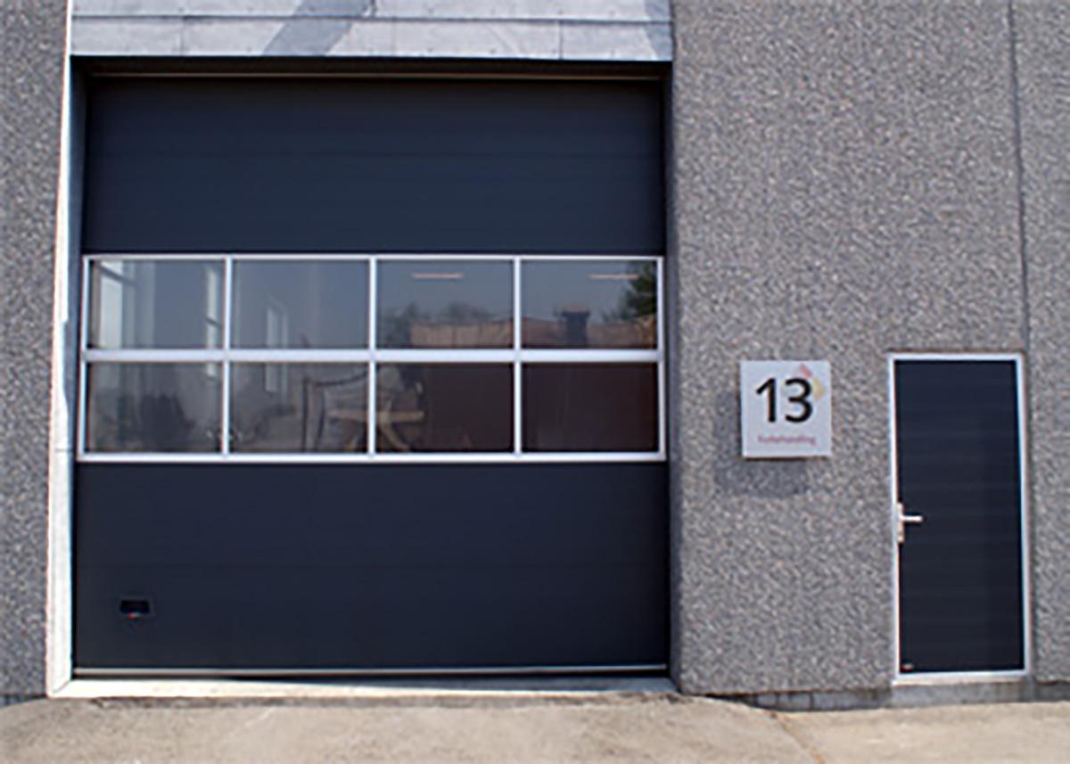 NASSAU separate economy facade door