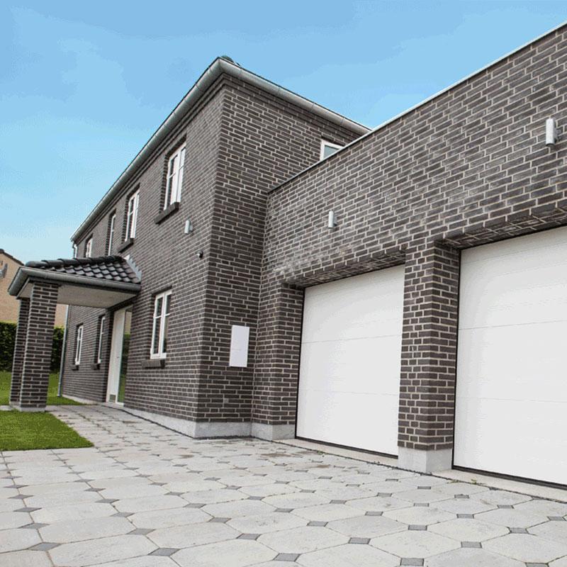 Frontpage garage door image