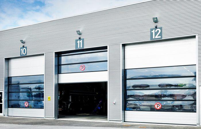 Auto service 9000M industrial doors