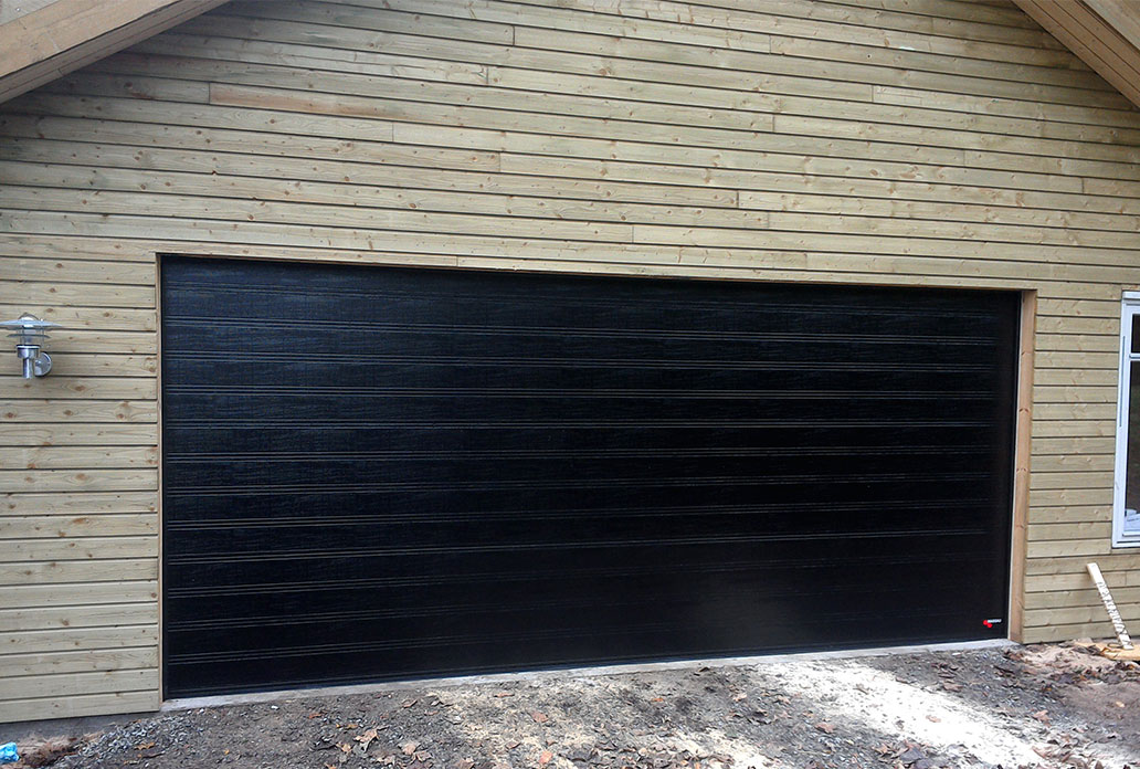 Black Wide NASSAU Woodgrain Garage Door