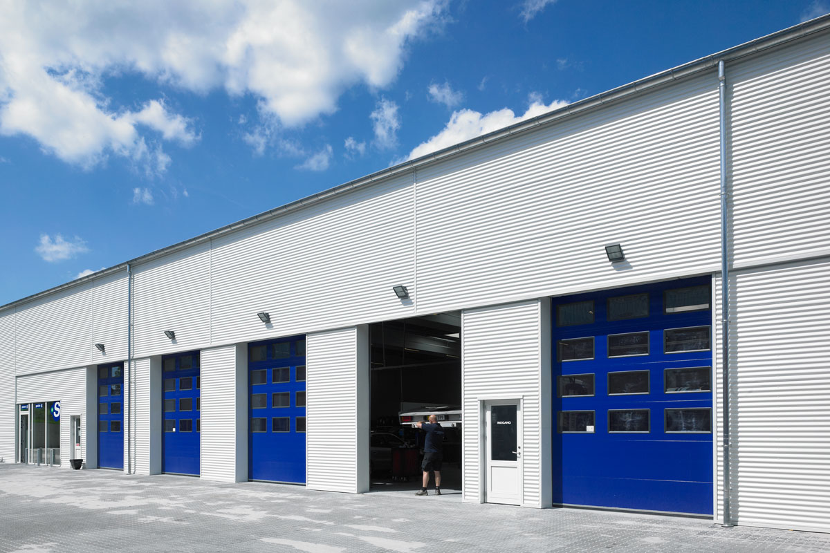 Blue NASSAU 9000F Industrial Doors With Windows