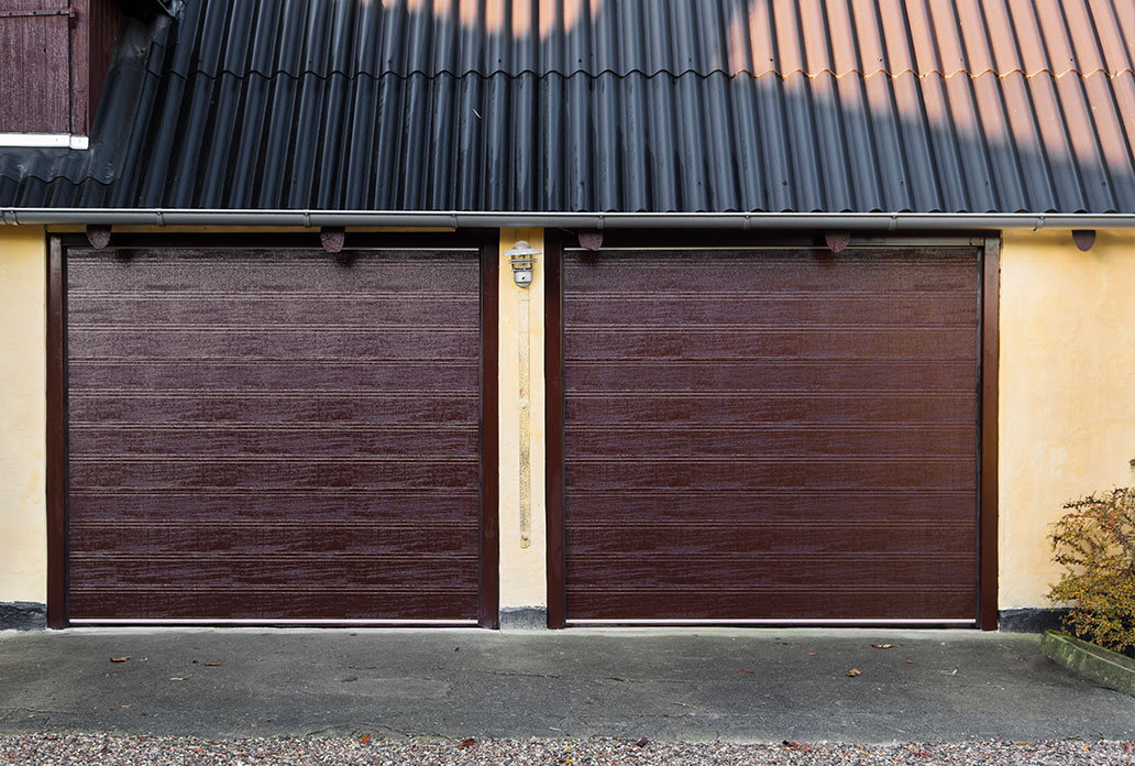 Double Chocolate Brown NASSAU Woodgrain Garage Doors